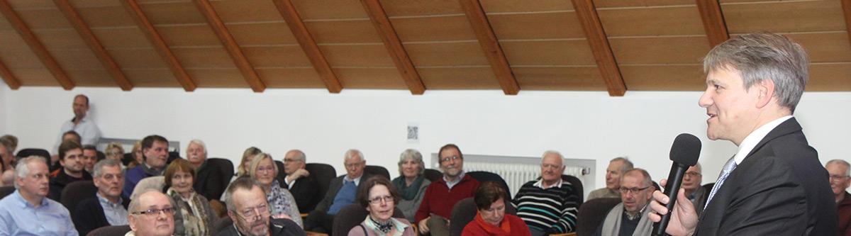 Banner: 25.02.2017: Auftaktveranstaltung zur Erarbeitung einer Gesamtstrategie 2017 für Stadthagen - Bürgermeister Oliver Theiß stellt das Projekt vor