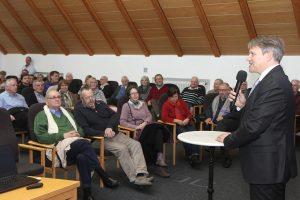 25.02.2017: Auftaktveranstaltung zur Erarbeitung einer Gesamtstrategie 2017 für Stadthagen - Bürgermeister Oliver Theiß stellt das Projekt vor